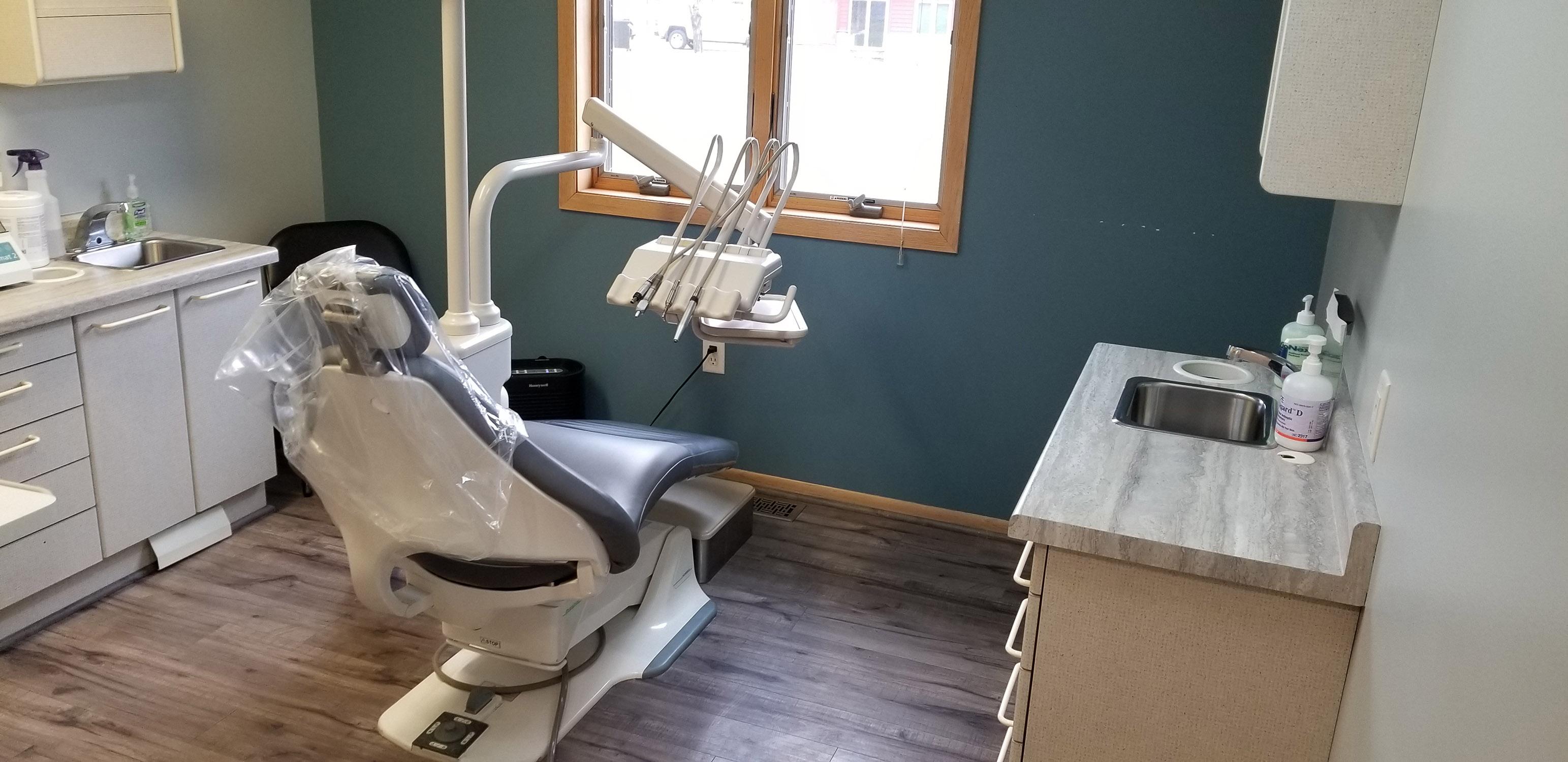 Dentist in Siren